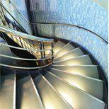 Винтовая лестница металлическая с подсветкой